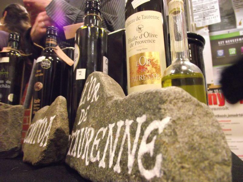 Az igazioliva standja a Borjour Magnumon. Fotó: Nagy Zita (Borgőz borblog, zitaborblogja.blogspot.com)