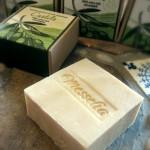 Olívaolajos kozmetikumok: Castile kézműves olívaolajos szappankülönlegesség; Olíva testvaj
