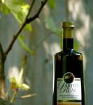 Casas de Hualdo Partida Real – A sas leszállt. Erős, rusztikus, zöld füves olaj intenzív növényi keserűséggel, intenzív csípősséggel. Picual és arbequina, 0,1º savtartalom. 0,5 l üveg 2.700.-