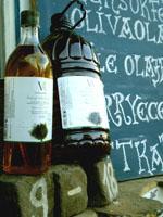 Valle de Ricote – Alapdarab. Enyhébb ízű, rusztikus házasítás, különösen sütéshez-főzéshez. 0,2º savtartalom. 1 l PET 1.900.- / 5 l PET 9.300.- (1.860.-/liter)